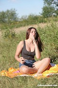 Diana Rius – Teen playing with herself outdoors – ClubSeventeen – [3]