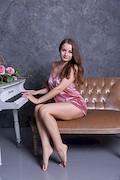 Julianna – I can not play the piano – Stunning18 – [1]