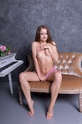 Julianna – I can not play the piano – Stunning18 – [3]