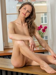 ShowyBeauty — Anna in Romantica